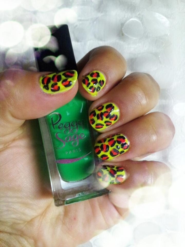Nail art fluo, leopardprint